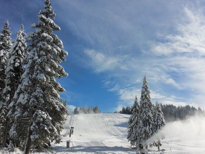 The upcoming winter season on Rogla is starting on Saturday, 28 November  2015.